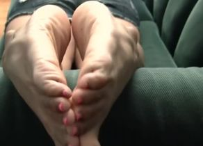Mind-blowing Latina Soles