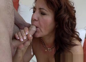 Jizzy mouthed gilf plumbs