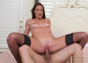Seduced By a Cougar-Sofie Marie Mr..