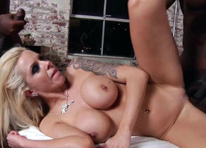 Nasty porno industry star Nina Elle in..