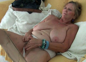 European grandma Tarra faux-cocks her..