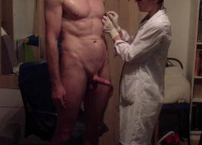 medecin´s stiff hand-job by young..