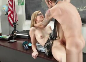Alexa Mercy penetrates for grades