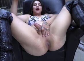 Steaming tranny rimjob and cum shot