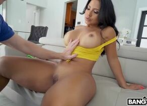 Latina mummy thick rump