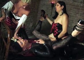 Freakshow First-timer German Dungeon Sex