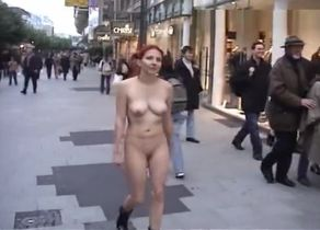 Nekked Ginger-haired Ambles the Street
