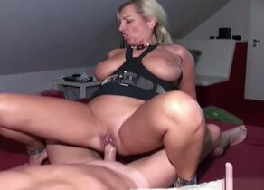 German Cougar Jenni in Homemade..